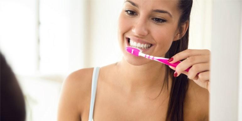 Jak skutecznie dbać o zęby - postanowienie noworoczne